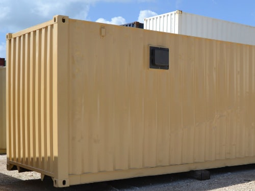 Storage container with vent exterior