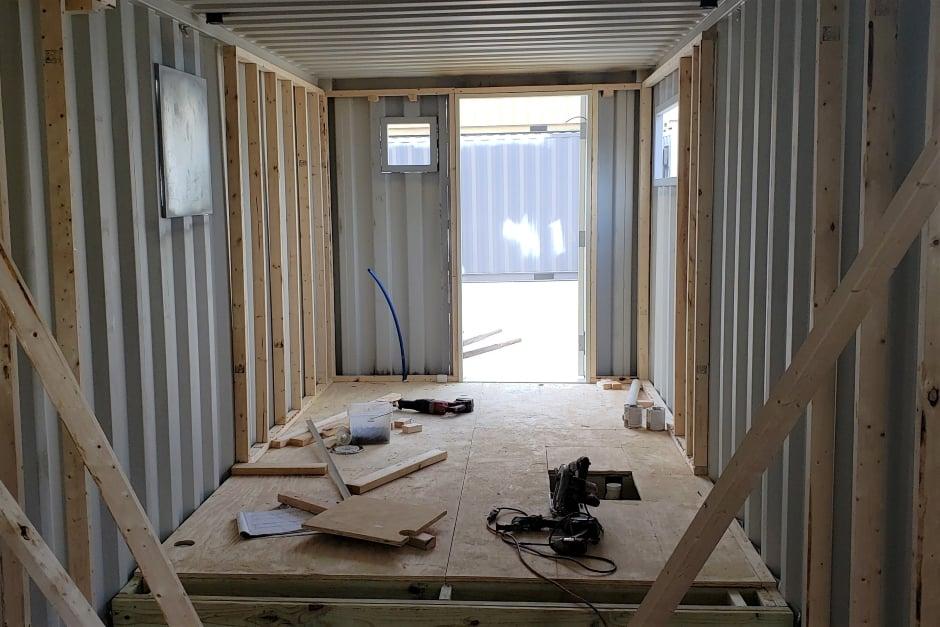 Conex-box-dimensions-interior