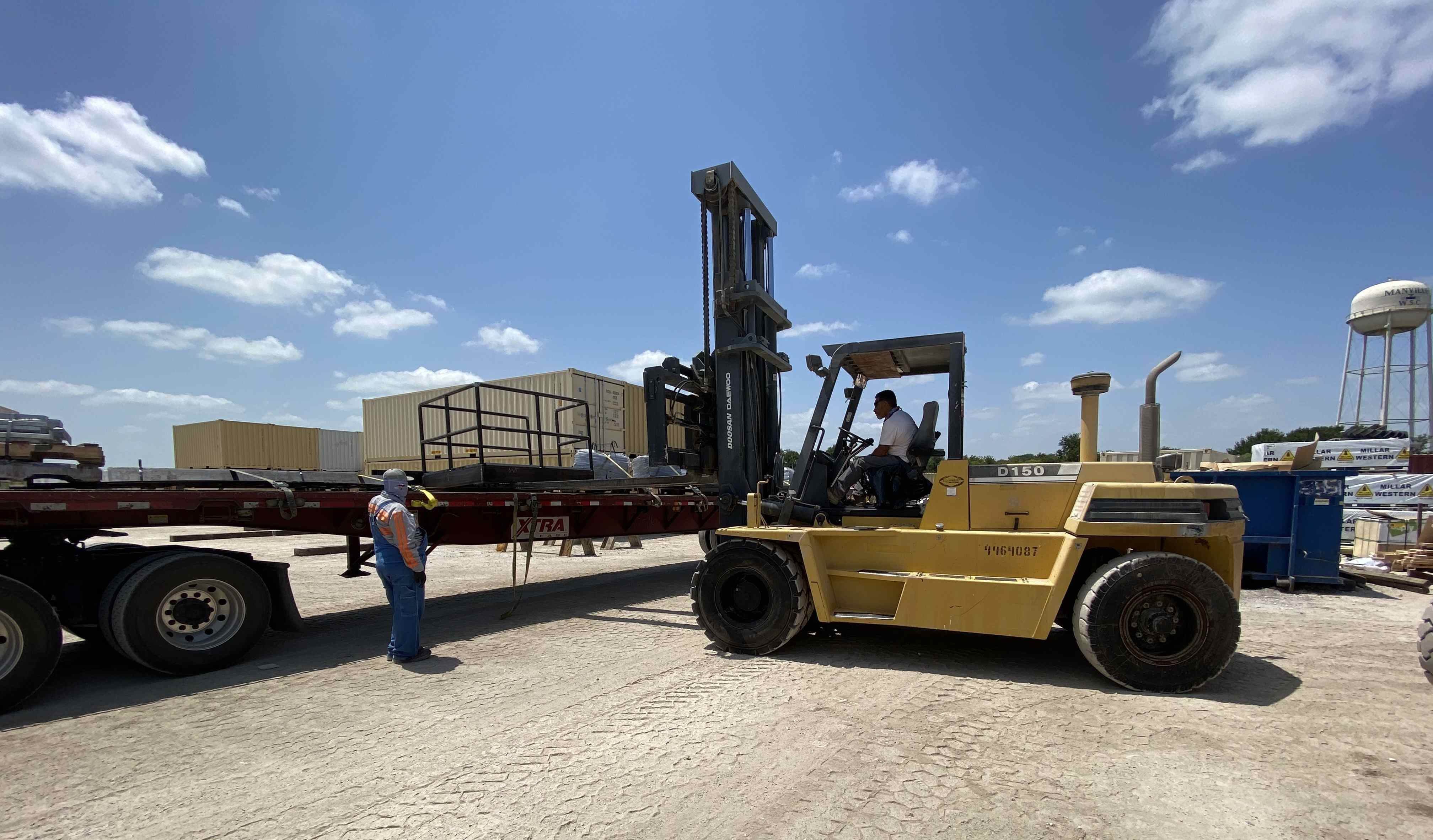 forklift-moving-inventory