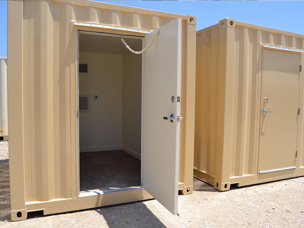 Pipeline containers with service door