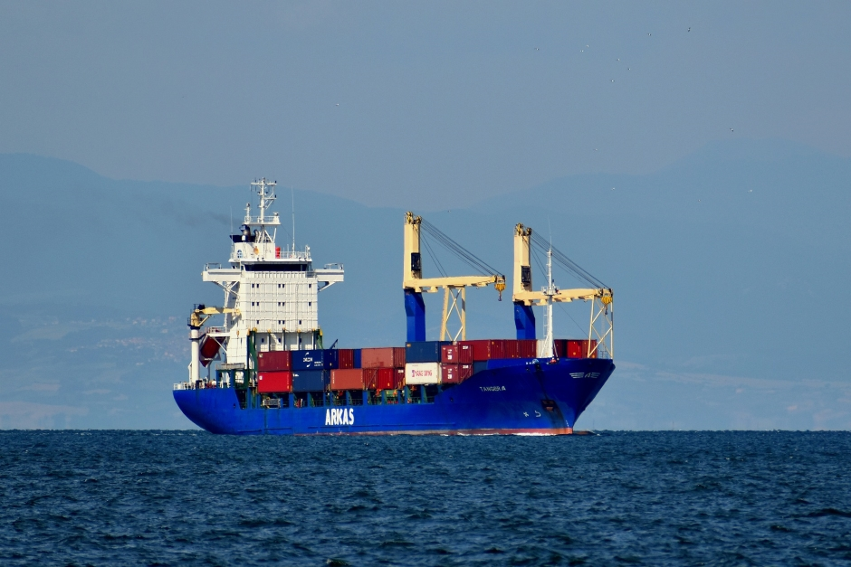 Can I Transport a Modified Shipping Container Overseas by Ship?
