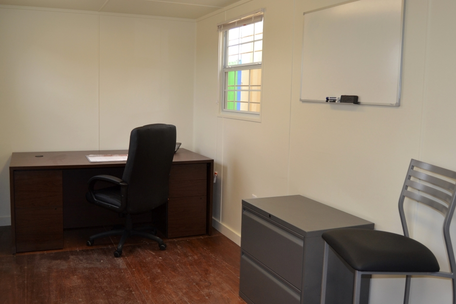 4 Useful Workspace Solutions for a Shipping Container Office