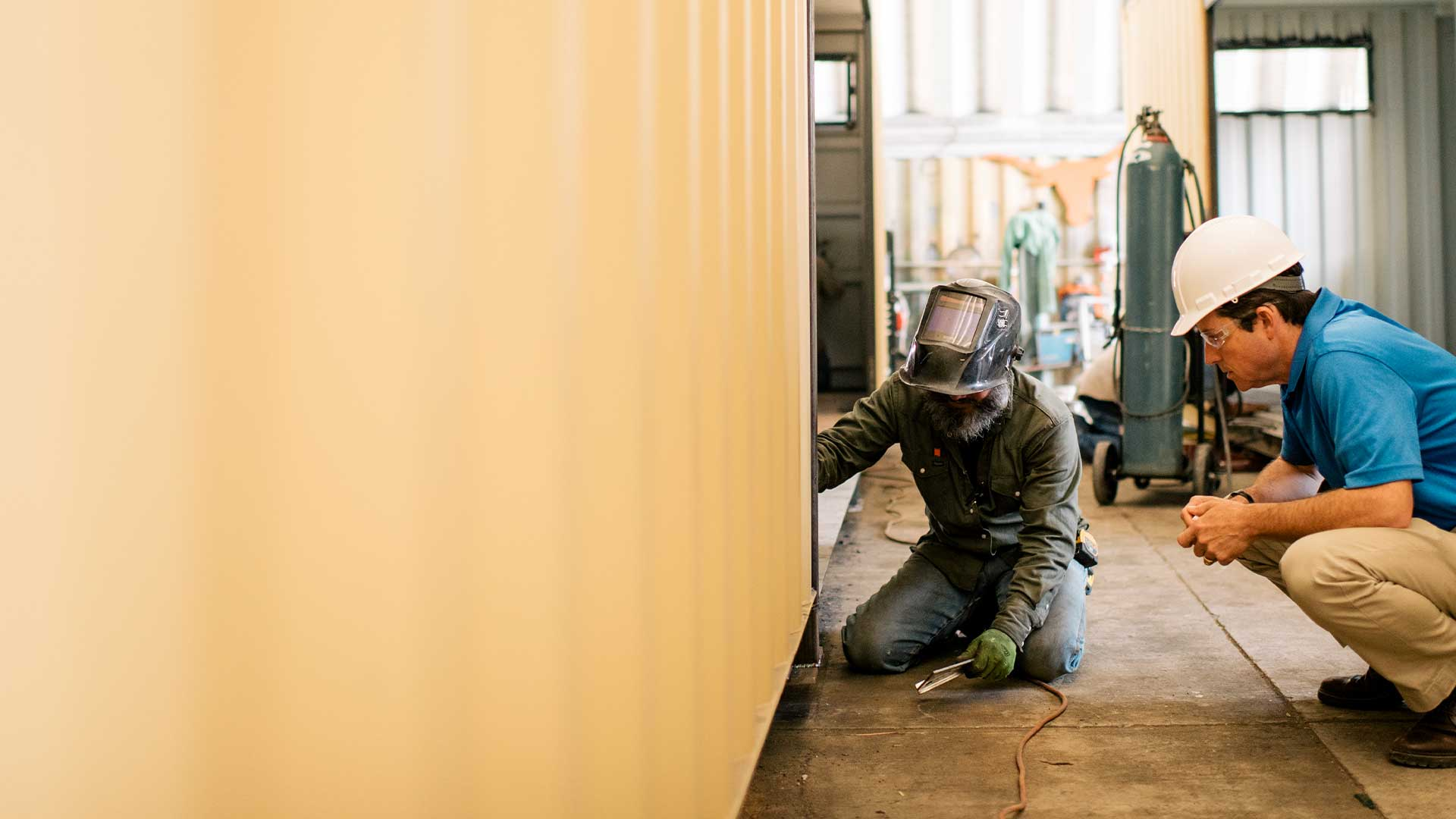 inspecting_welds_on_container
