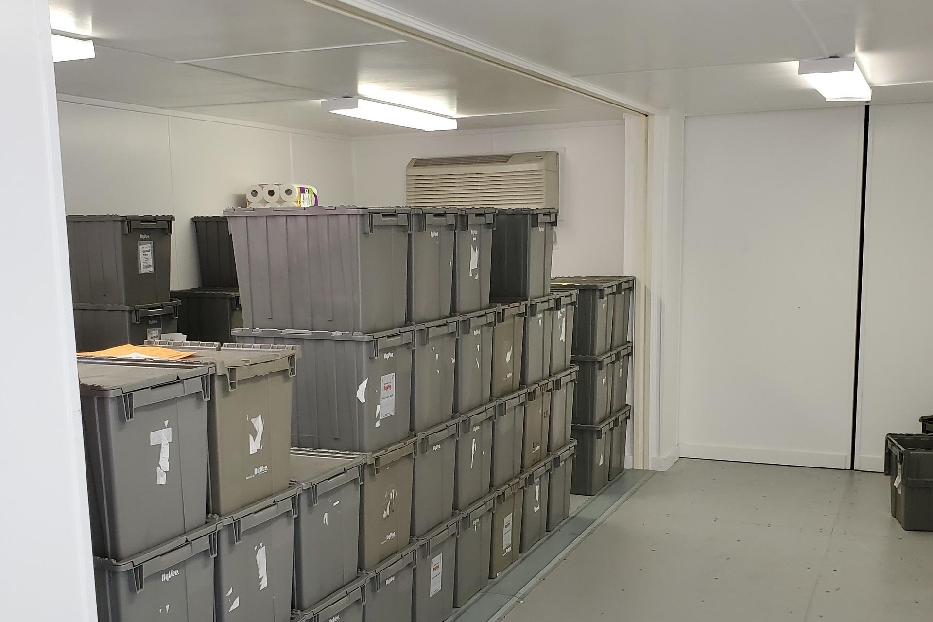 Hy-Vee-Storage-Container